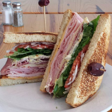 Southern Pines, Βόρεια Καρολίνα: Try our Dagwood of the day!