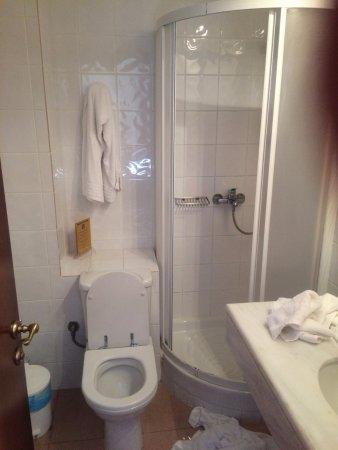 Hotel Pelops: Il bagnetto.