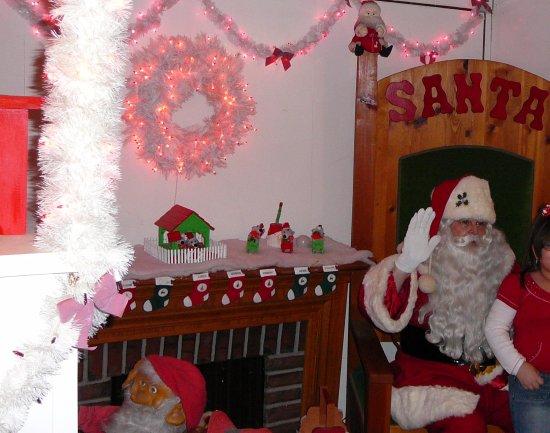 Bear, DE: Santa at Santa Claus Lane 2011
