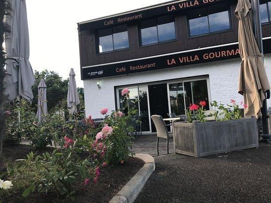 Artigues-pres-Bordeaux, France: la villa gourmande