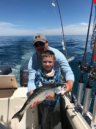 Why knot chicago fishing charters il anmeldelser for Chicago fishing charters
