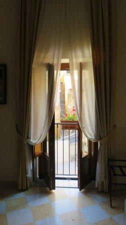 Terraza - Picture of B&B Terrazze di Montelusa, Agrigento ...