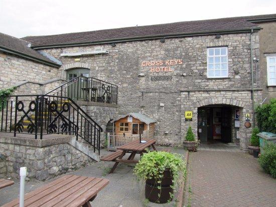 The Cross Keys Hotel: Beer garden