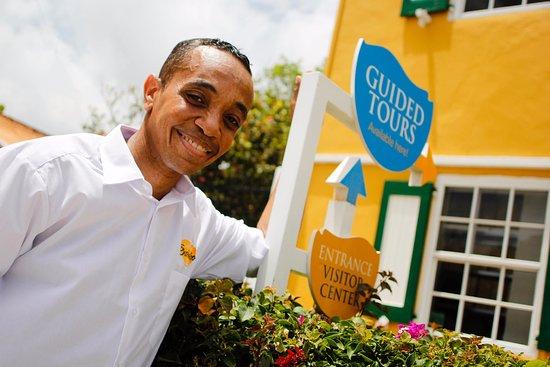 Curacao Liqueur Distillery: Go on a guided tour