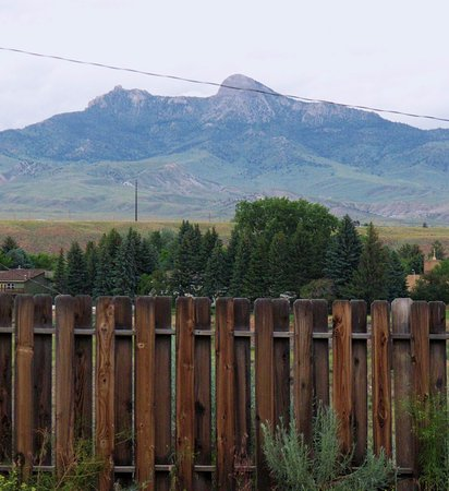 A Wyoming Inn: View of Heart Mountain