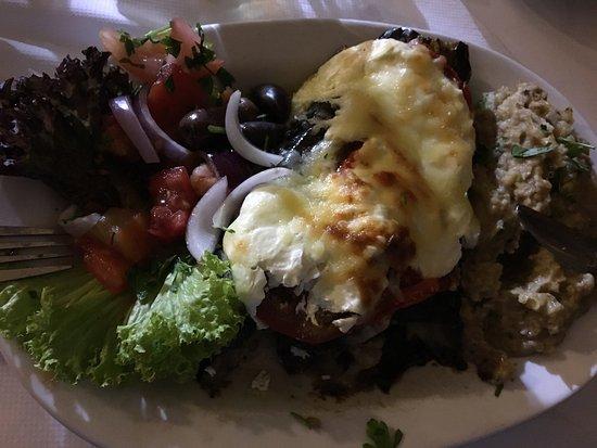 Manolis Taverna Restaurant: NISIOTIKO 😋😋😋🍽🍷