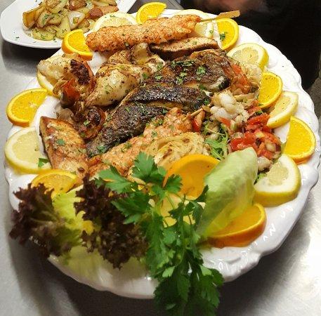 Ristorante Pizzeria Garibaldi: Fischplatte für 2 Personen