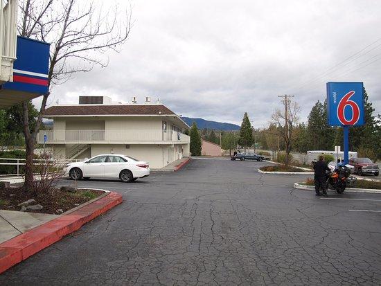 Motel 6 Weed - Mount Shasta Photo