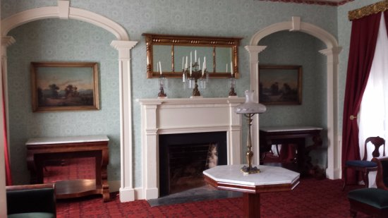 Lynchburg, VA: the formal parlor- used as Union headquarters