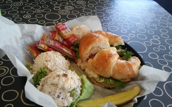 Olive Branch, MS: Chicken Salad Chick