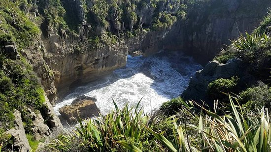 Punakaiki, Selandia Baru: Waiting for the tide to roll in
