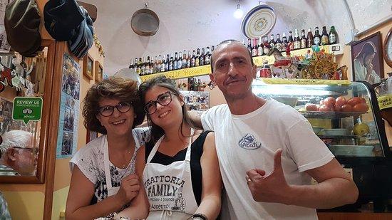 Trattoria Familiare da Michele & Jolanda: Michele, Jolanda et leur fille