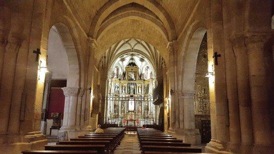 Vista interior: fotografía de Iglesia de Santo Domingo, Soria ...