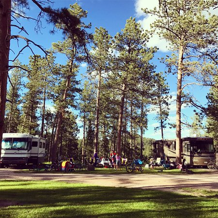 Rafter J Bar Ranch Campground: Our two campsites, had trees in Line Camp, very private area, huge!