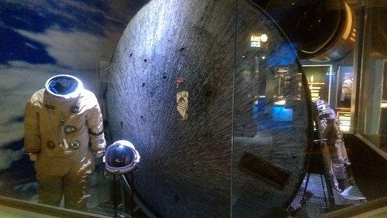 Hutchinson, KS: Heat shield end of Apollo 13 Command Module