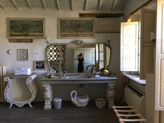 Torrita di Siena, Italia: Lupaia = paradiso : next pictures