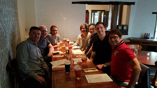 Rickmansworth, UK: Enjoying a great team dinner at Red Lion