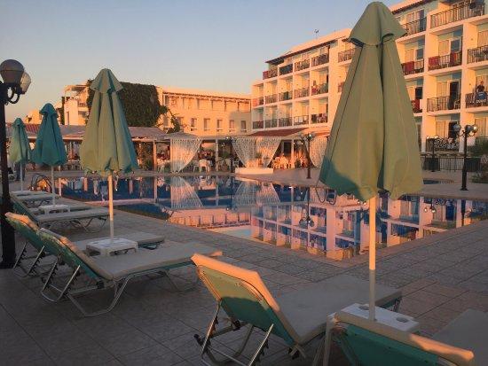 Golden Beach Hotel: photo0.jpg