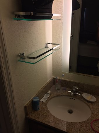 Residence Inn Orlando Convention Center: sink Badly located, very uncomfortable