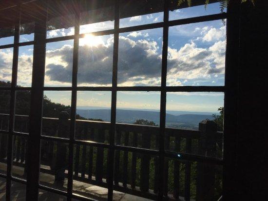 Big Meadows Lodge Dining: Window seat view