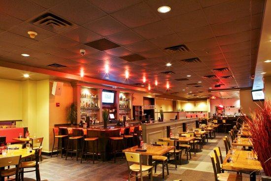 Drunken Fish - Westport Plaza: Dining area.