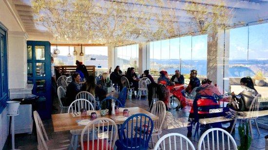 The liberty breakfast room mykonos restaurant avis - Mykonos lieux d interet ...