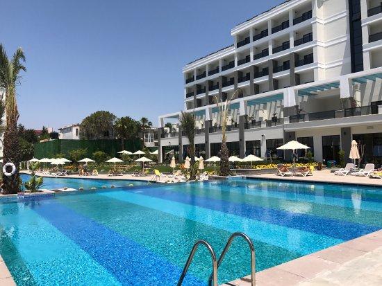 Side Valentine Resort And Spa Hotel