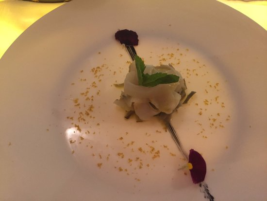 Cuttlefish tartare with artichoke