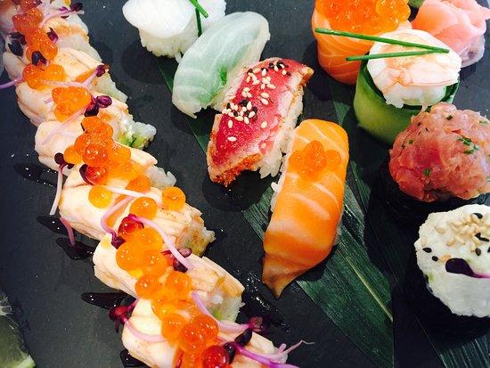 Golfe-Juan Vallauris, France: Les meilleurs sushis de la région ! Le cadre est chaleureux et accueillant les plateaux de sushi