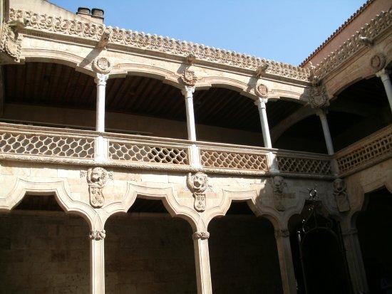 Casa de las Conchas: Hermoso edificio