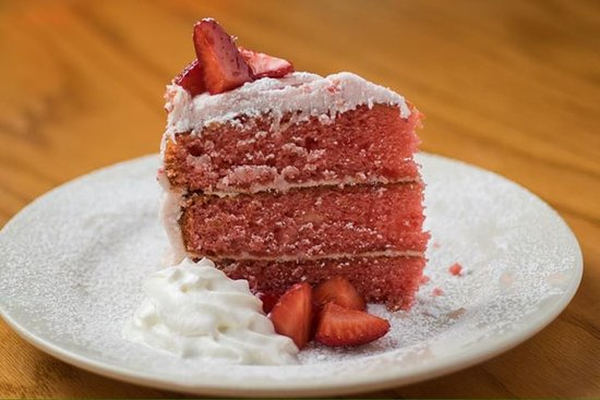 Landrum, Carolina del Sur: Strawberry Cake
