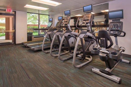 Dulles, فيرجينيا: Fitness Center - Ellipticals