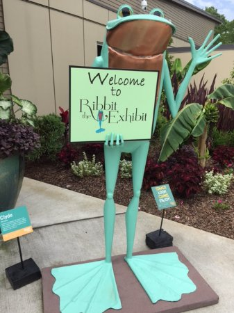 """Gainesville, GA: The """"official"""" welcome to Ribbit the Exhibit"""