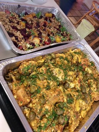 ‪‪Lanesville‬, نيويورك: Tri-colored Roasted Beet Salad and Moroccan Chicken Tagine‬