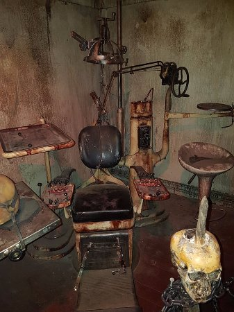 Spookers Haunted Attractions: Old Mental Hospital Gear