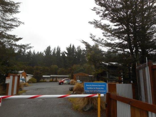 Tongariro Holiday Park: Entrance