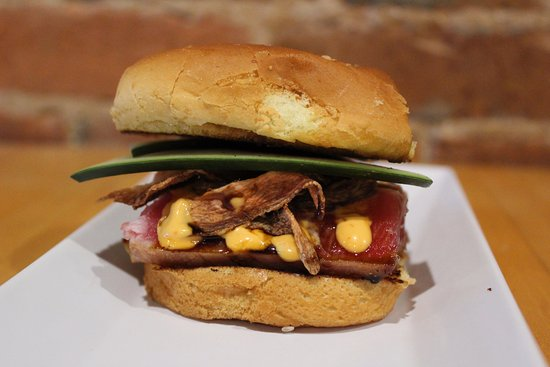 Fort Madison, IA: Tuna Slider