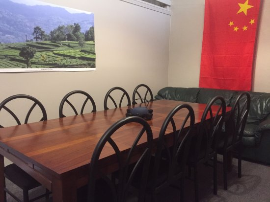 Red Lodge, MT: The Yunnan room is the larger of the meeting/gaming rooms, with 8-10 seats at the table and a co