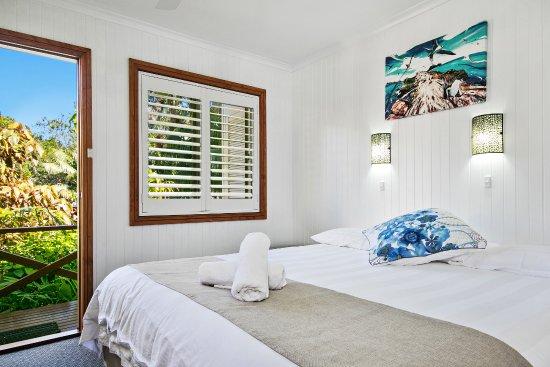Lorhiti Apartments: Garden Apartment Bedroom