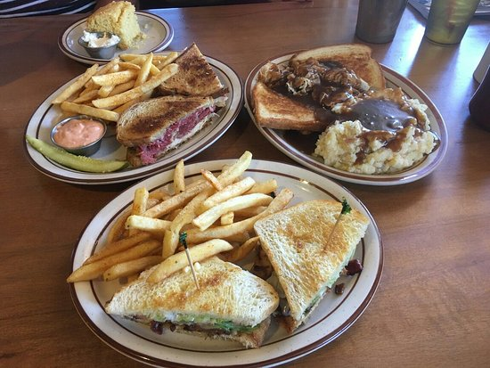 Big Pine, CA: Lunch