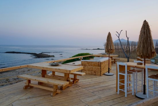 Salt Suites & Executive Rooms: Great place to relax and watch the sunset