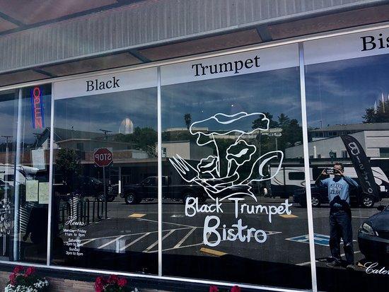 Black Trumpet Bistro: photo0.jpg