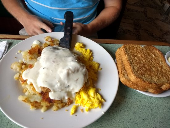Vienna, VA: Chicken Fried Steak as breakfast