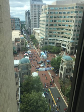Reston, VA: Outdoor Food Festival