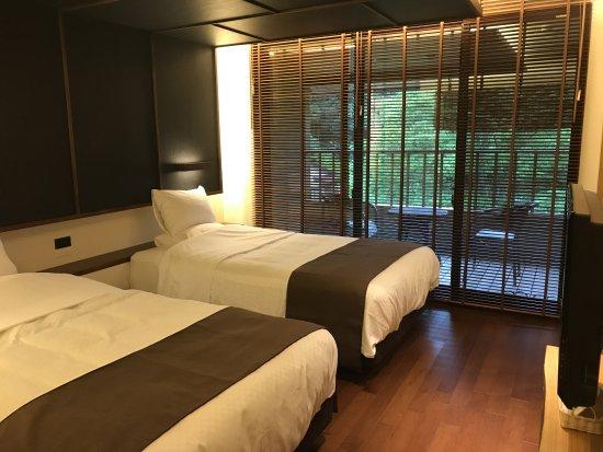 Shizukuishi-cho, Japonya: 寝室エリアからバルコニーに出られます。せせらぎが聞こえます