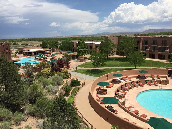 Hyatt Regency Tamaya Resort & Spa: Fitness trail, golf, stunning sunsets make a great resort
