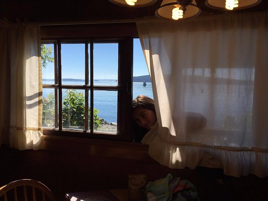 Eastsound, WA: Peeking in the window of Beachfront cabin