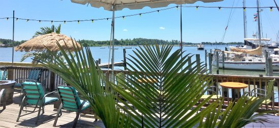 Rock Hall, MD: Tropical paradise at Harbor Shack