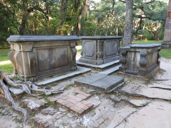 Old Sheldon Church Ruins: More graves.