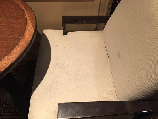 Clayton, Миссури: a bar chair - filthy
